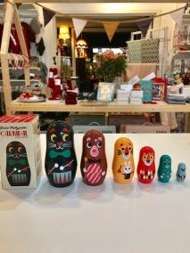 omm-design-carnival-matryoshka-julklappstips-torggatan-linkoping-brandsforkids