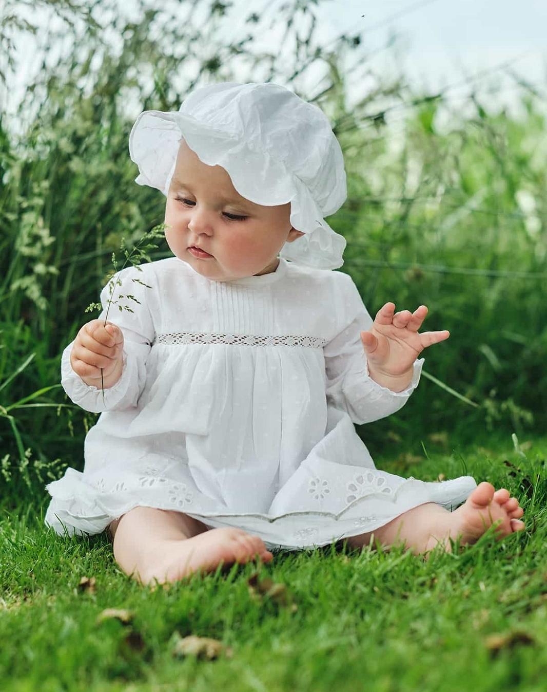 hust-claire-vit-babyklanning-spetsklanning-29937128