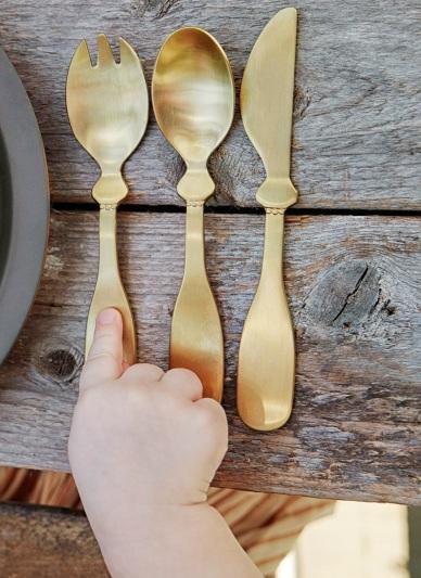 elodie-details-barnbestick-barngaffel-guld-linkoping